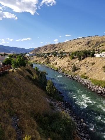 yellowstone river thru gardiner